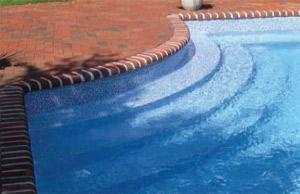 vinyl-liner-swimming-pool-steps-near-mobile-alabama